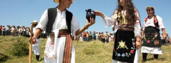 Srpske-narodne-nošnje-i-tradicija-610x225